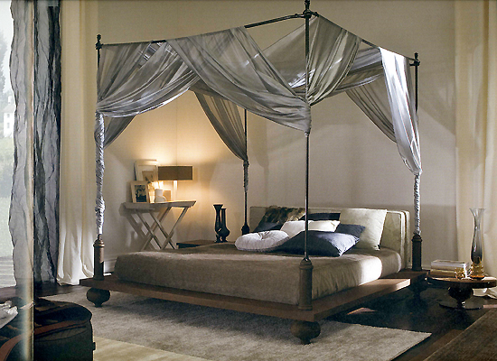 Harry potter home inspiration gryffindor simple vegan - Four poster bedroom sets for sale ...